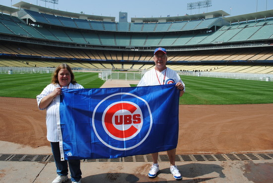 Cubs fans with flag in LA
